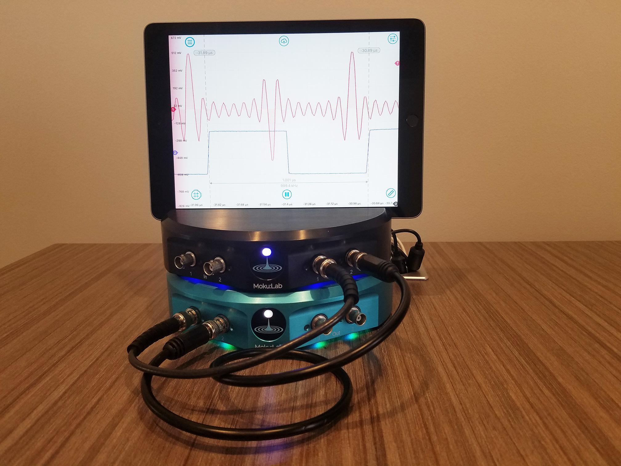Figure 2: Moku:Lab bench setup
